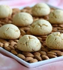 Bademli kurabiye tarifi