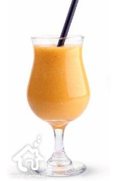 Ananas ve kayısılı smoothie