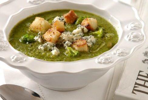 Küflü Peynirli Brokoli Çorbası