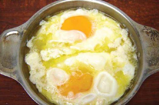Kelle Peynirli Yumurta