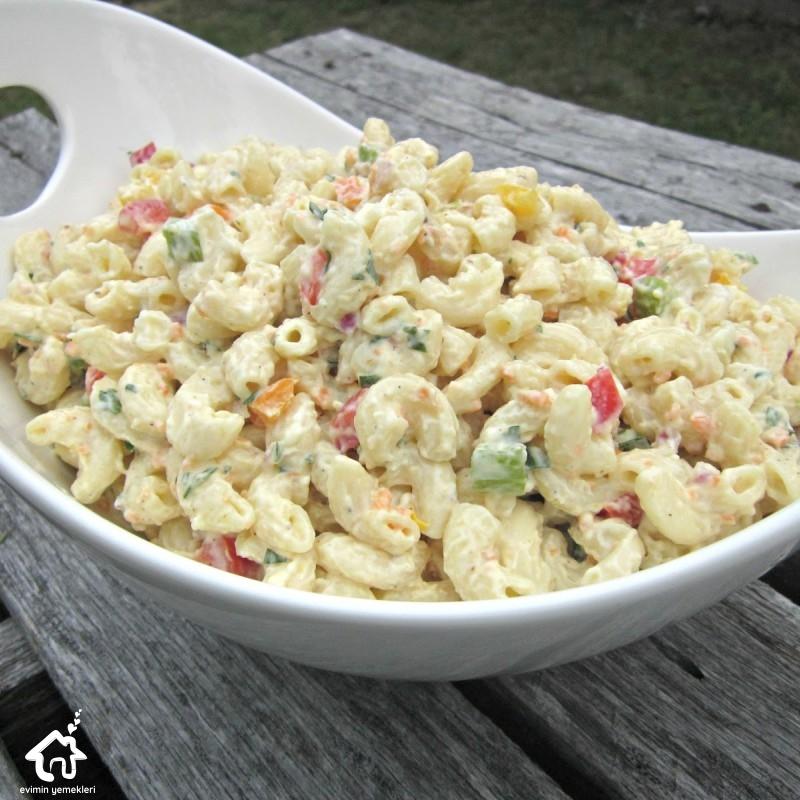 Çörekotlu Makarna Salatası