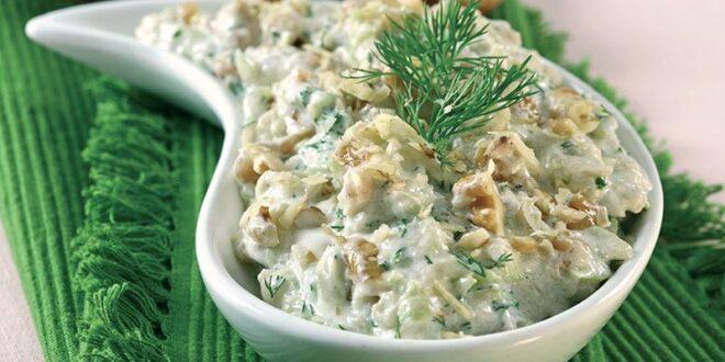 Cevizli yoğurtlu kabak salatası
